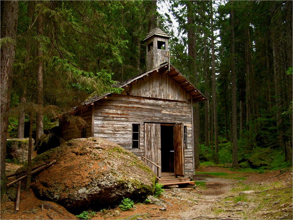 waldkapelle-friedenskapelle-von-sexten-220af424-8f0c-47a4-ac96-d0266da75cb7